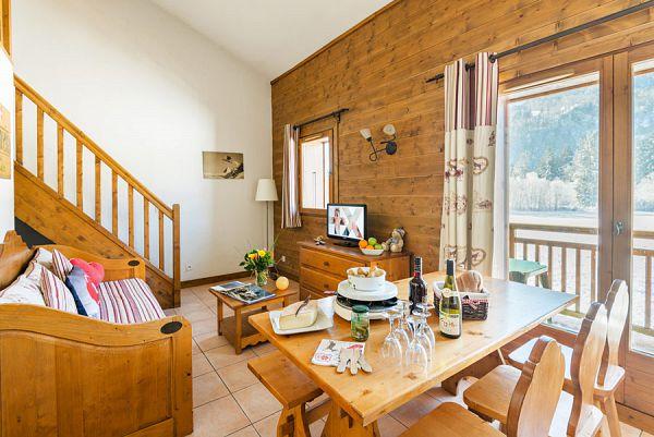 s jour ski samoens avec appartement fermes de samoens. Black Bedroom Furniture Sets. Home Design Ideas